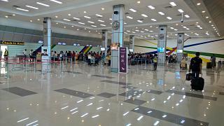 Зона регистрации пассажиров в аэропорту Кларк