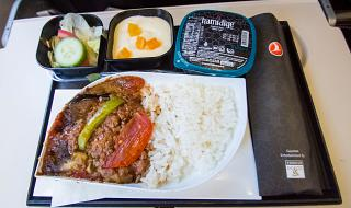 Flight meals on flights of Turkish Airlines Istanbul-Catania
