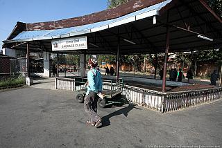 Зона выдачи багажа в аэропорту Катманду