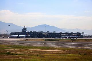 Перрон аэропорта Македония города Салоники