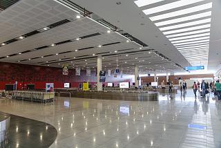 Зал выдачи багажа в новом терминале аэропорта Бургас