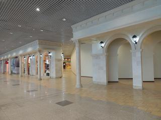 Area of cafes and shops on the 2nd floor of the terminal of Domodedovo airport