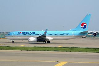 Boeing-737-800 HL8242 airlines Korean Air at the airport Seoul Incheon