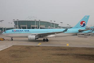 Airbus A330-200 HL8227 airlines Korean Air at the airport Seoul Incheon