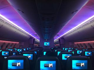 Evening lighting of the Boeing 787-8 Qatar Airways