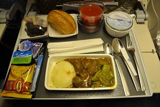 In-flight meals on the flight from Singapore airlines from Moscow to Singapore