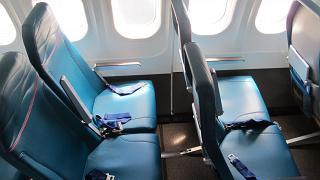 Кресла эконом-класса в самолете Боинг-717 Гавайских авиалиний