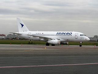 Сухой Суперджет-100 RA-89076 авиакомпании ИрАэро в аэропорту Омска