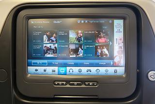Система развлечений в самолете Airbus A340-300 авиакомпании Cathay Pacific