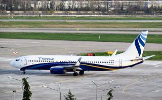 Фото Боинга-737-300 VQ-BPM авиакомпании Нордстар в аэропорту Сочи