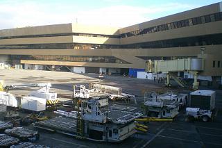 Гейты у терминала 1 аэропорта Манила Никой Акуино