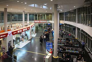 Зал ожидания перед выходами на посадку в аэропорту Вильнюс