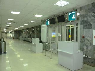 The gates on the first floor of Khabarovsk airport