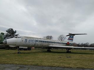 Самолет Ту-134 авиакомпании LOT в музее польской авиации в Кракове