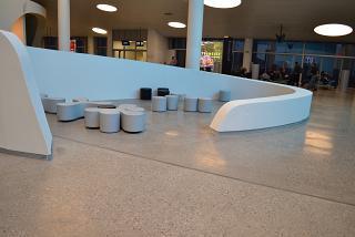 Зона отдыха в чистой зоне аэропорта Самара Курумоч