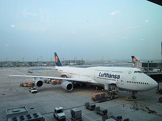 Boeing 747-400 Lufthansa at the airport in Frankfurt am main