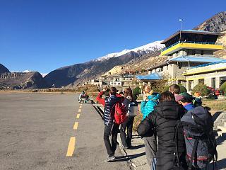 В аэропорту Джомсом в Непале