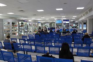 Зал ожидания на 2-м этаже аэропорта Ростов-на-Дону