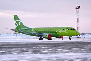 Embraer 170 VQ-BIS S7 Airlines at Tolmachevo airport
