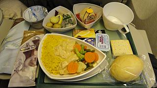 Food on the flight with Emirates from Moscow to Singapore