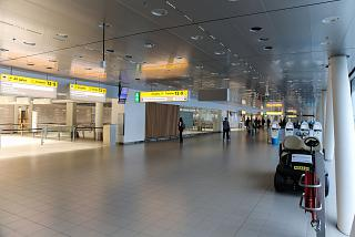 The transition to a clean area of Amsterdam airport Schiphol