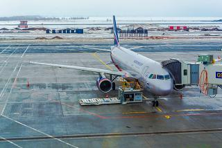 Airbus A320 VP-BQP of Aeroflot at the airport, Samara Kurumoch
