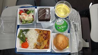 Ужин на рейсе Малайзийских авиалиний Куала-Лумпур - Пекин