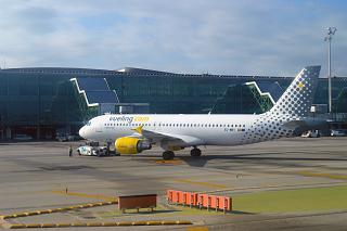 Airbus A320 Vueling at Barcelona airport