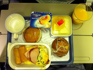 Food on the flight from Moscow to Seoul Korean airlines