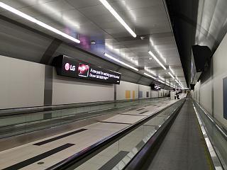 Переход под проливом между материковой частью Торонто и аэропортом имени Билли Бишопа