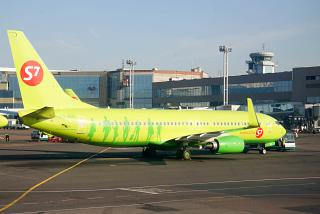 Боинг-737-800 VQ-BVL авиакомпании S7 Airlines в аэропорту Домодедово
