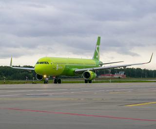 Airbus A321 авиакомпании S7 Airlines в аэропорту Домодедово