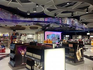 Магазин Duty-Free в Терминале 2 аэропорта Хельсинки Вантаа