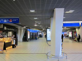 In the arrivals area of terminal 2 of the airport Lyon Saint-exup