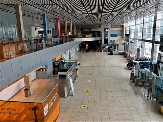 Пустой пассажирский терминал аэропорта Кольцово во время карантина из-за коронавируса
