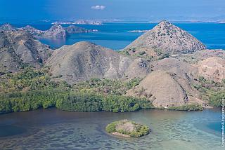 The mountains around Labuan Bajo