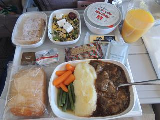 Flight meals on the flight Dubai Moscow with Emirates