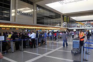 Стойки регистрации в международном терминале аэропорта Лос-Анджелес