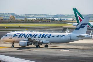Airbus A320 OH-LXK авиакомпании Finnair в аэропорту Рим Фьюмичино