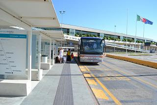 Автобусная остановка в аэропорту Венеция Марко Поло