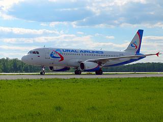 Airbus A320 VP-BDL Уральских авиалиний в аэропорту Домодедово