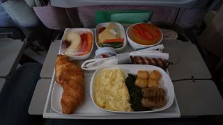 Food on the flight Dubai Mahe with Emirates