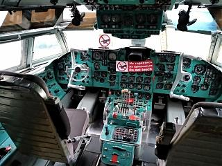 The cockpit of the aircraft Il-62 at the Museum of aviation of Ukraine