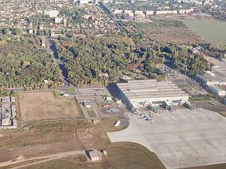 Новый пассажирский терминал и перрон аэропорта Одесса