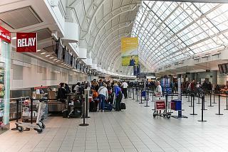 В левом крыле терминала 3 аэропорта Торонто Пирсон