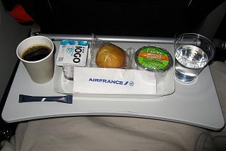 Второе питание (легкий завтрак) на рейсе Торонто-Париж авиакомпании Air France