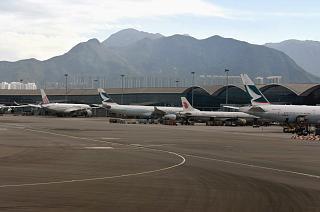 Перрон аэропорта Гонконг