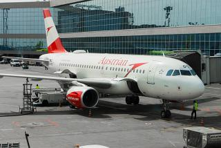 "Airbus A319 OE-LDC ""Kiev"" Austrian airlines at Domodedovo airport"