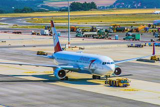 Боинг-767-300 Австрийских авиалиний в аэропорту Вены