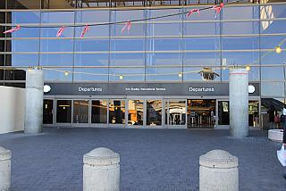 The entrance to the airport terminal In Los Angeles